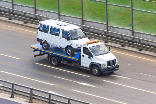Relajamiento de los requisitos para acceder a las ayudas Covid o como entender que un coche arrastrado por una grúa debe ser reparado